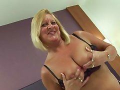 naughty busty blonde bee masturbation