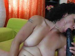 lonely full-grown woman masturbates at home!