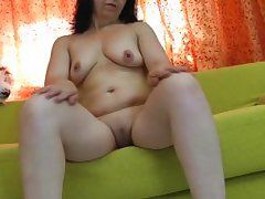 european mature spread her legs