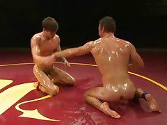 hot&oiled gays wrestles for domination