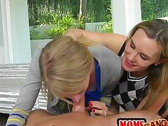 guy gets threesome with lesbo mature & daughter!